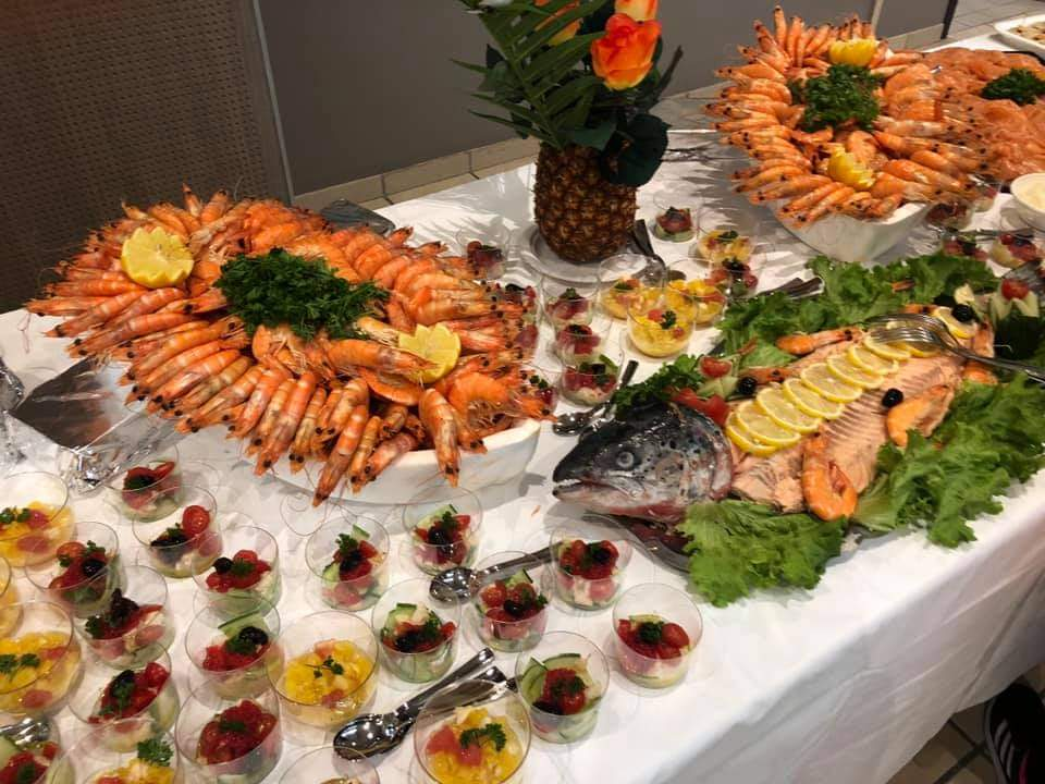 Photo Champagne buffet avec poissons